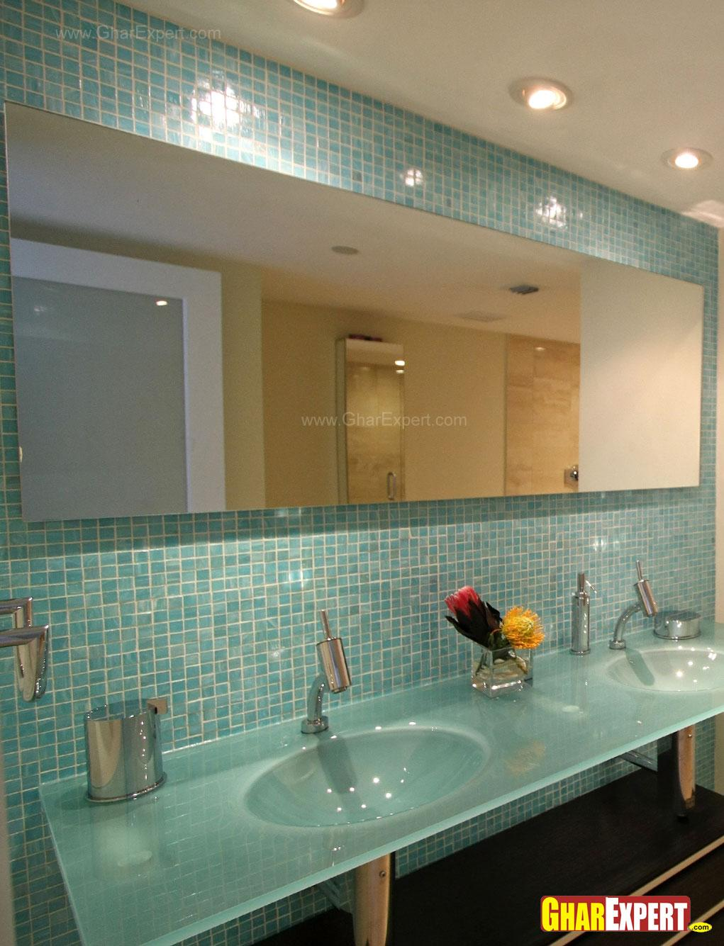 Bathroom tiles in blue color w....