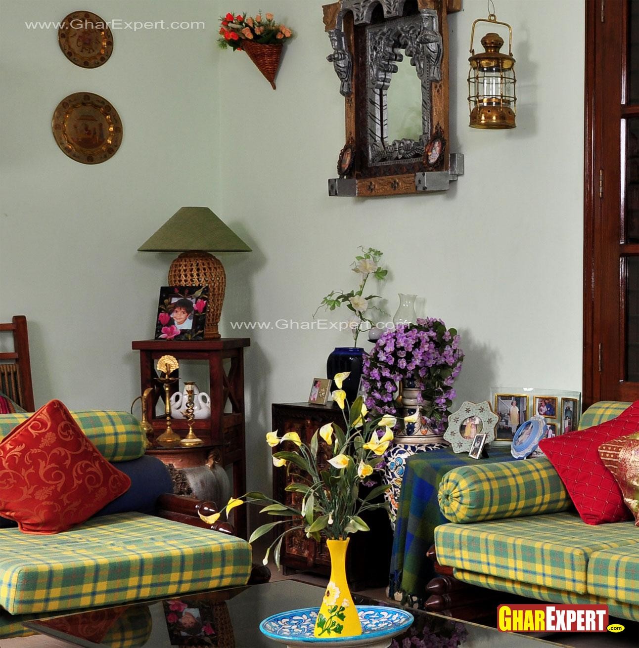 Chic style living room with fl....