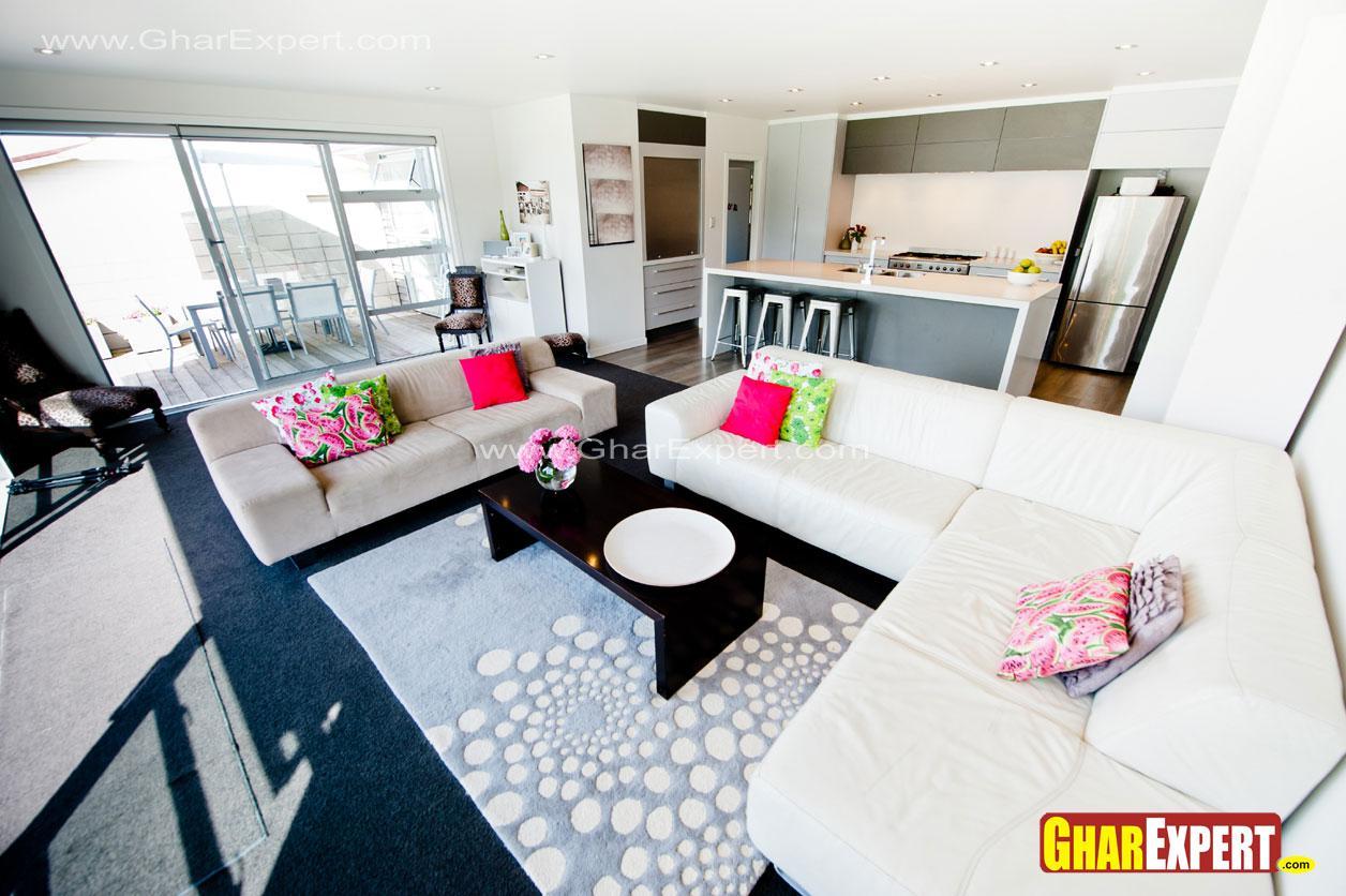 White upholstered sofa set in ....