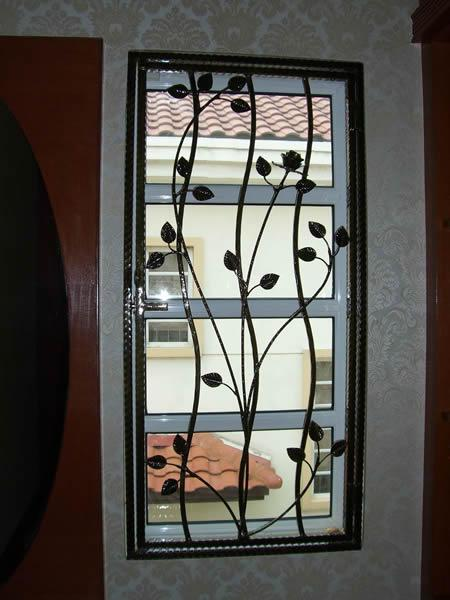 Window grill gharexpert - Modern window grills design ...