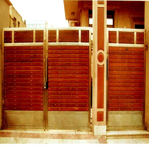 stainless steel door with hori....