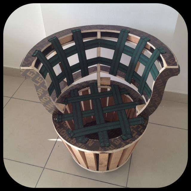 round chair wooden frame