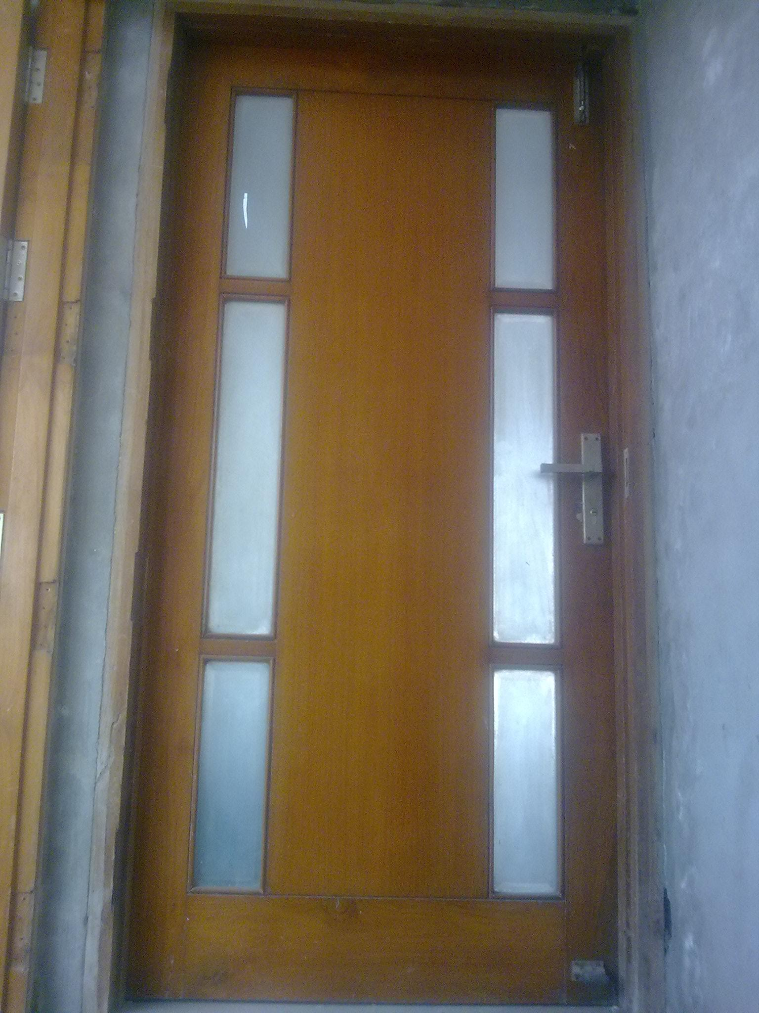 Entrance door design of door w....