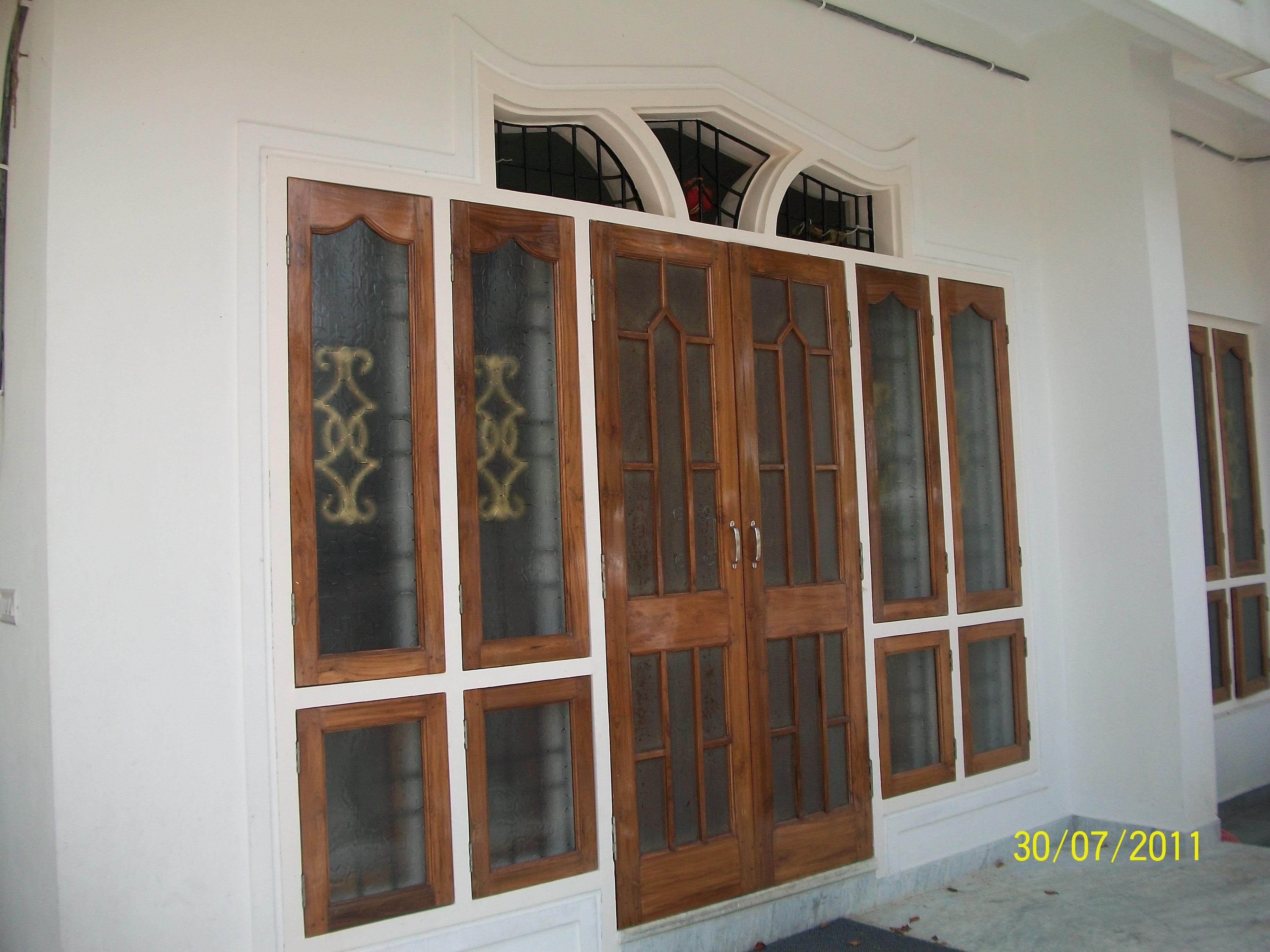 A composite door for Main Ente....