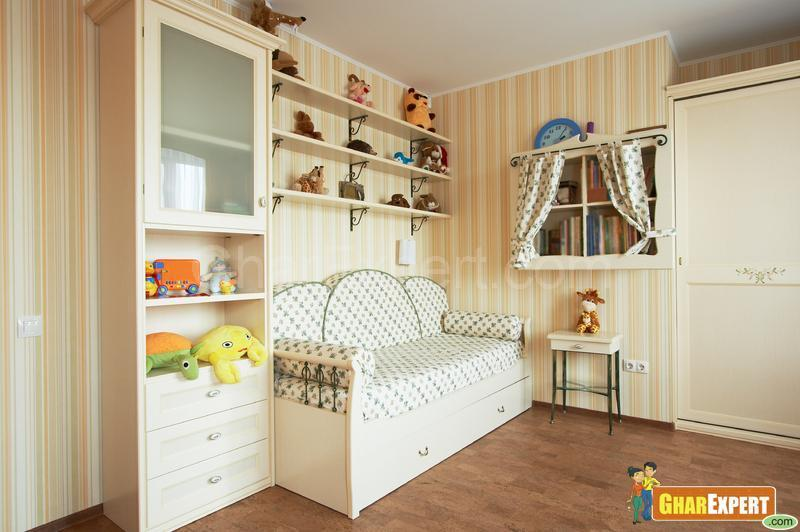 Day Bed in Kids Room
