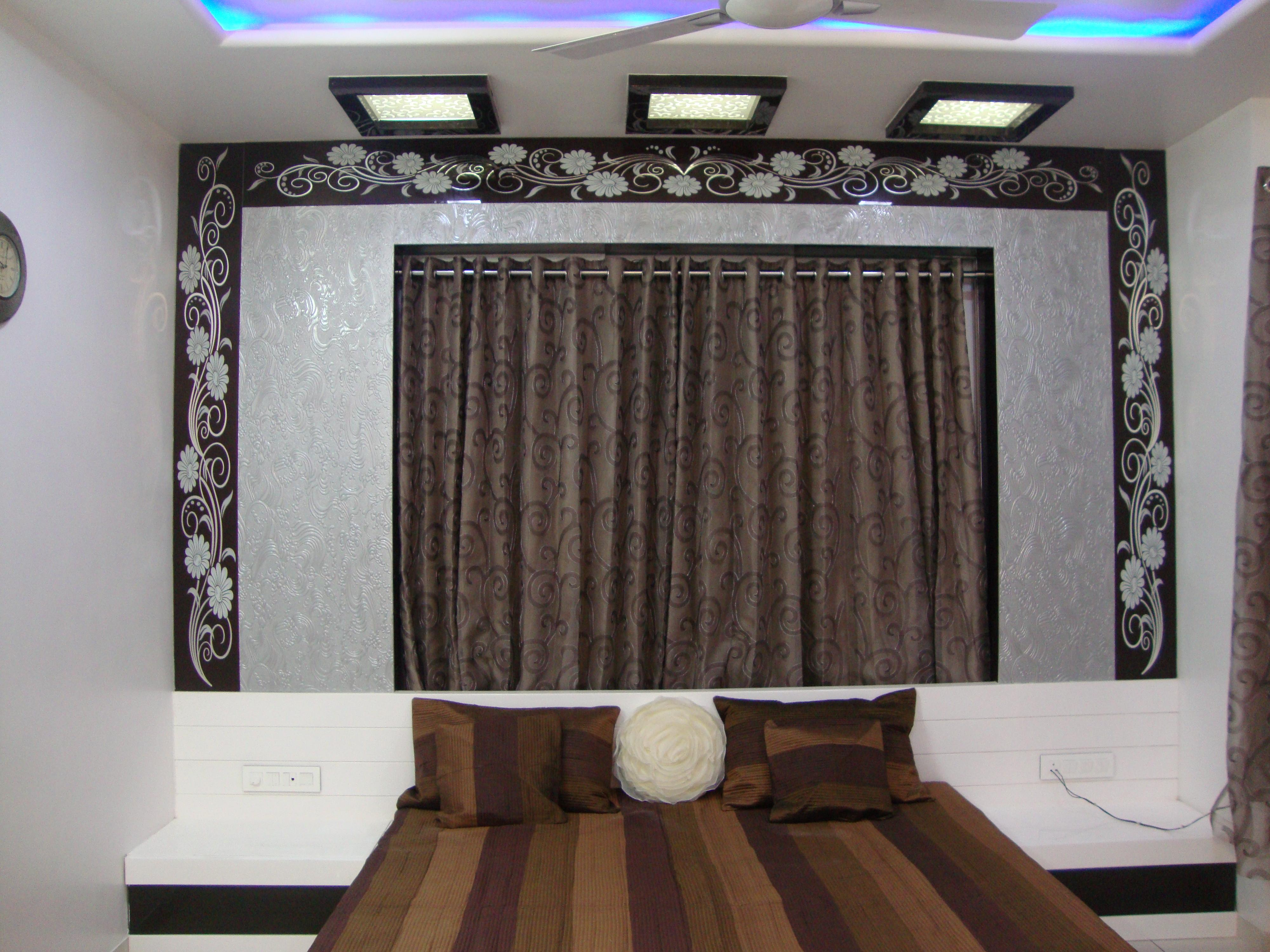 m.bed room with contamporary d....