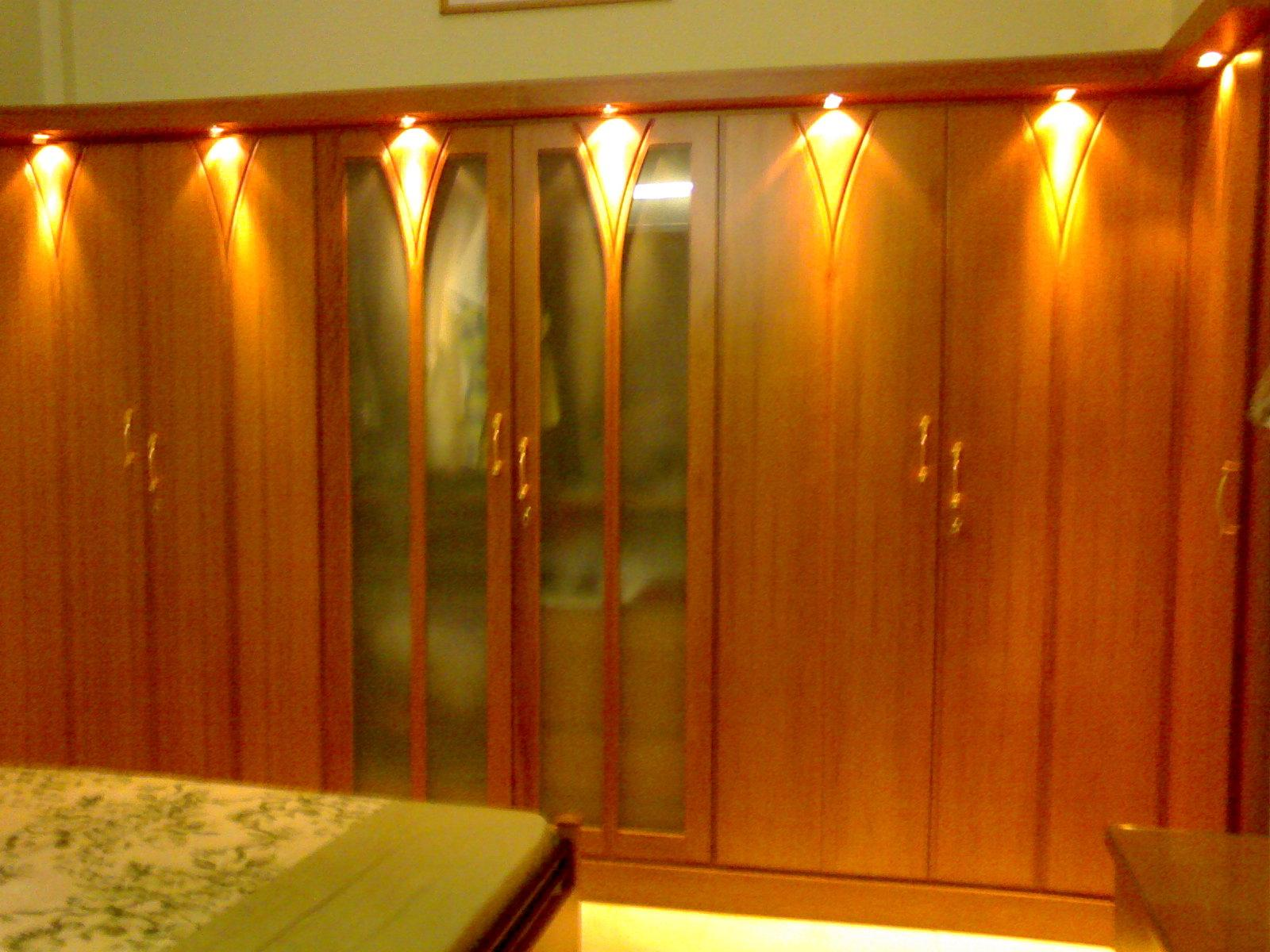 Awesome wardrobe gharexpert for Decolam designs for living room