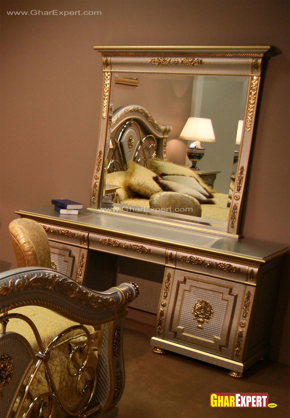 Crafted dressing table design