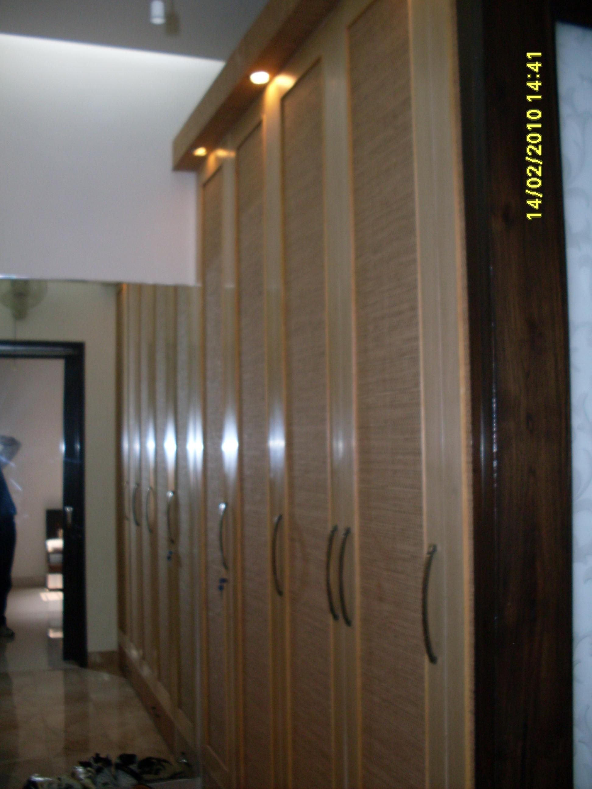wall paper on wardrobe shutter