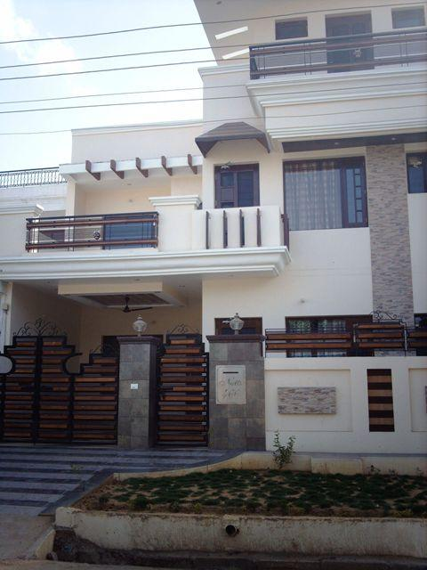 New Punjabi Elevation Front : Simple exterior elevation of the house gharexpert