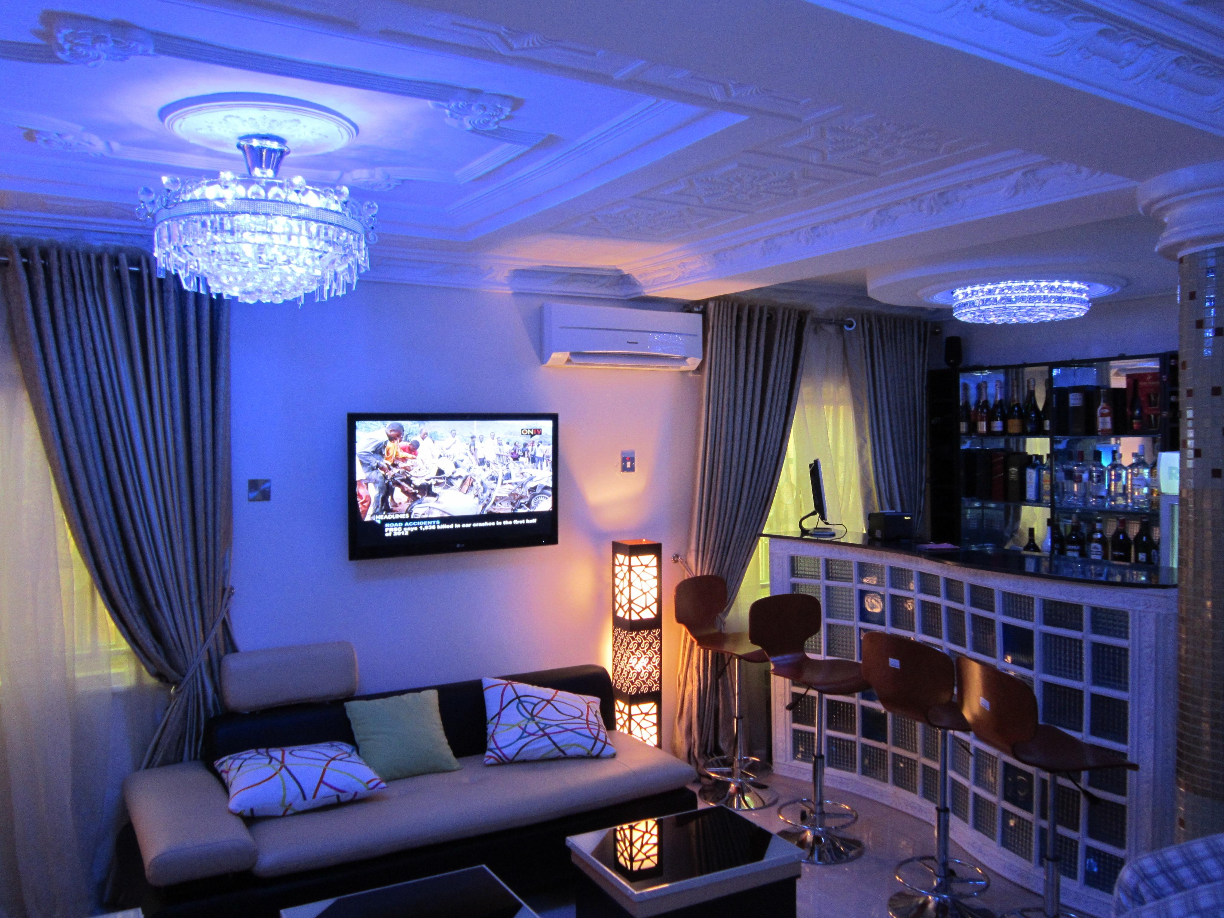 Bar in a living room p o p work ceilling on ceiling for P o p ceiling living room