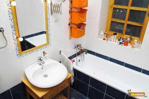 Accessories in Small bathroom