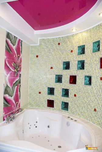 Colorful Glass Tiles for Bathroom