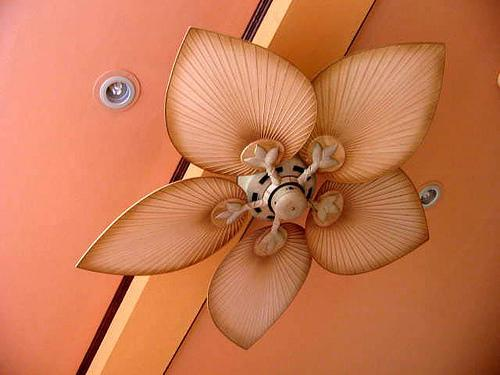Design ceiling fan with a propeller models petals