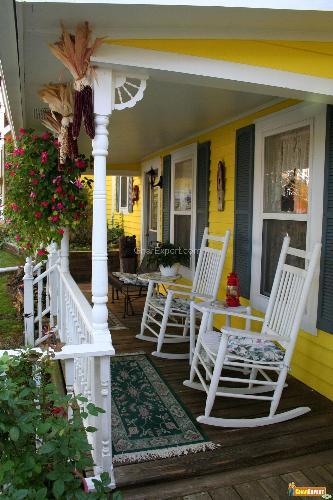 Bold Porch Design