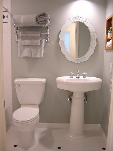 Elegant Small Space Bathroom Design