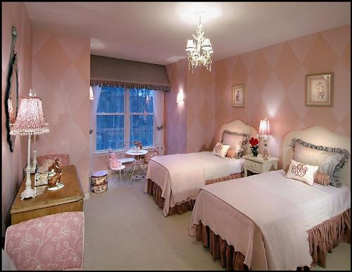 light pink color theme - Bedrooms Color