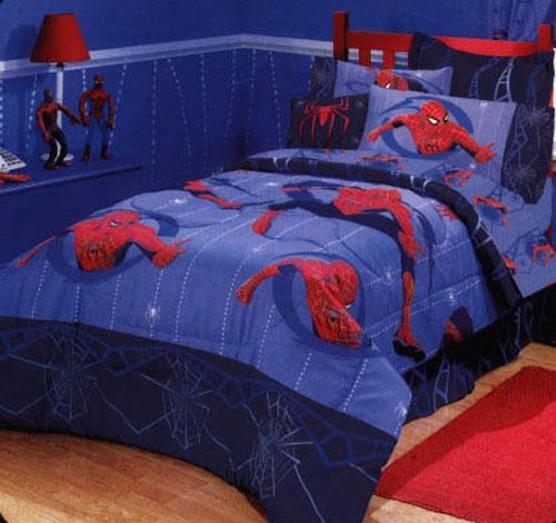 your boy's favorite superhero as guiding colors for their bedroom décor.