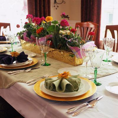 Dining Table Flower Decor