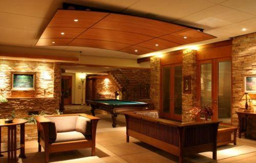 Modern ceiling in drawing room