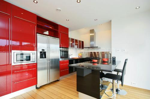 Modern Red Kitchen Design