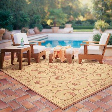 Outdoor Rug at Pool Side