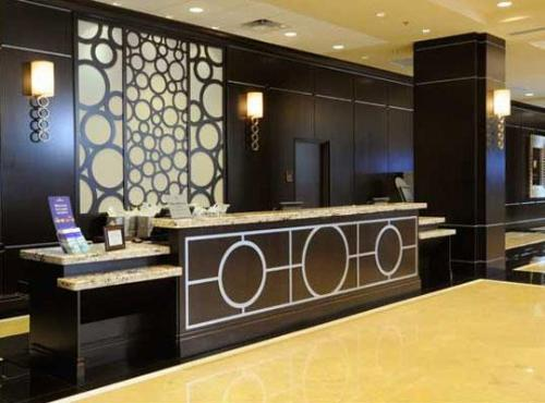 Designer Hotel Reception Desk With Wood Table